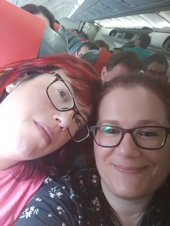 Eva y yo en el avión